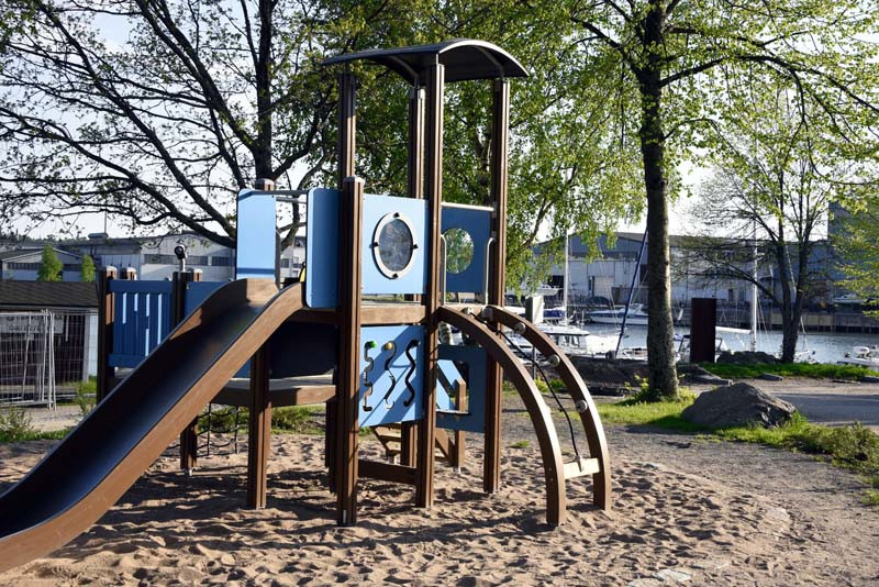 Vierasvenesataman leikkipuisto